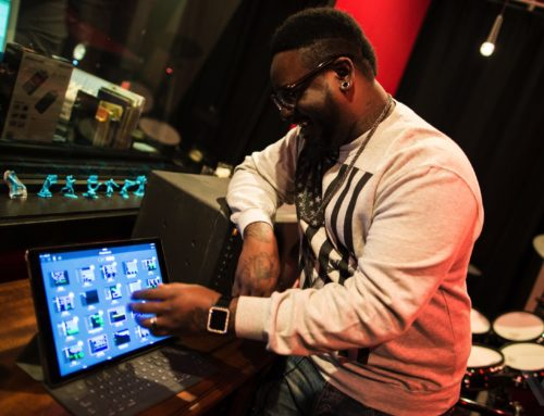 T-Pain shows us how to use the new GarageBand